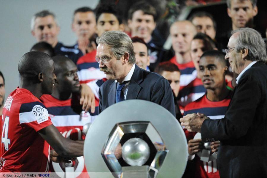 Thiriez lors de la remise du trophée de la Ligue 1 aux lillois