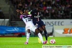 Clarck Nsikulu (Stade Lavallois), ici sous les couleurs de l'ETG.