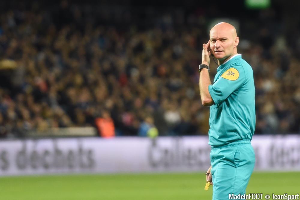 Monsieur Chapron sera l'arbitre du match entre le PSG et le MHSC.