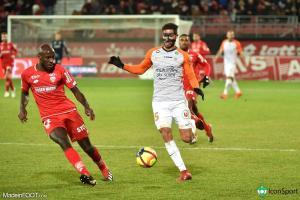 Le défenseur Portugais fait son retour après 4 matchs d'absence.
