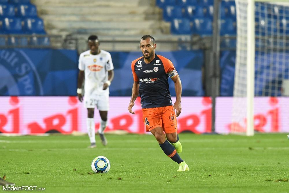 Vitorino Hilton, l'ancien défenseur central et emblématique capitaine du Montpellier HSC, ici aux côtés d'Andy Delort.