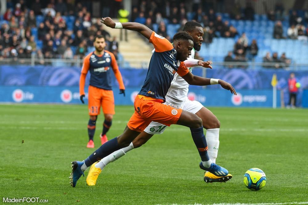 Junior Sambia au duel avec Jean-Eudes Aholou