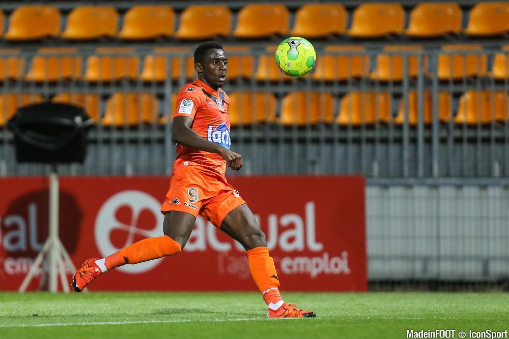 Clarck Nsikulu veut quitter Laval en janvier.