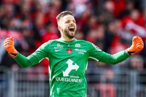 Larsonneur découvrira la L1 avec Brest la saison prochaine.